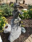 Rottenecker Bronzefigur Flötenspieler sitzend, wasserspeiend