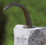 Rottenecker Brunnenauslauf, bronze, mittel, grün patiniert