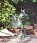 Rottenecker Bronzefigur Eichhörnchen mit Sockel