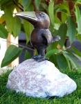 Rottenecker Bronzefigur Stimmungsrabe aufRosarioFindling
