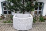 Granitbrunnen / Pflanztrog halbrund 130x100x75