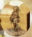 Rottenecker Bronzefigur Pauline, wasserspeiend