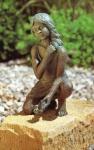 Rottenecker Bronzefigur Hannah, wasserspeiend