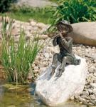 Rottenecker Bronzefigur Toni groß, wasserspeiend