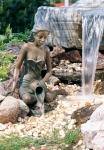 Rottenecker Bronzeskulptur Elonie, wasserspeiend