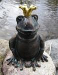 Rottenecker Bronzefigur FroschkönigRatomir, wasserspeiend