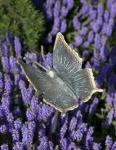 Rottenecker Bronzefigur Schmetterling mit Erdspieß