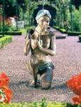 Rottenecker Bronzeskulptur Alessia, wasserspeiend