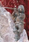 Rottenecker Bronzefigur Fabio, wasserspeiend