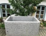 Granitbrunnen / Pflanztrog rechteckig 160x95x70