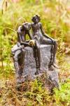 Rottenecker Bronzefigur Froschkönigpaar, wasserspeiend