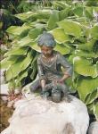 Rottenecker Bronzefigur Loris mit Hund, wasserspeiend