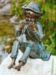 Rottenecker Bronzefigur Til, wasserspeiend