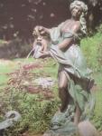 Rottenecker Bronzefigur Sabrina, wasserspeiend