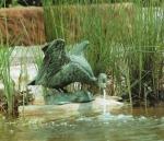 Rottenecker Bronzefigur Pfeifente, wasserspeiend