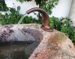 Rottenecker Bronze Trog-Wasserauslauf groß